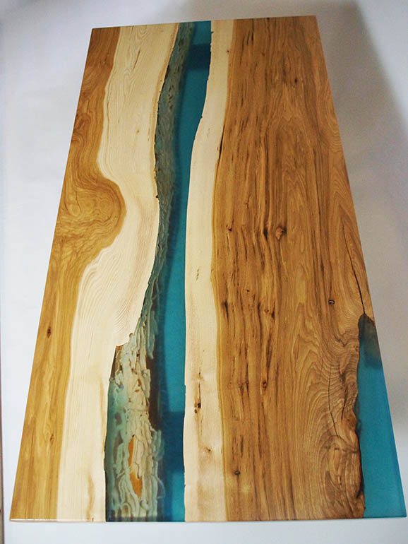 River Table Walnut Courtney