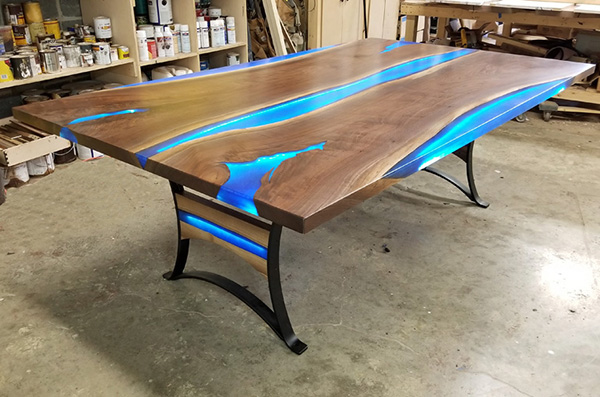Celebrity River Dining Table
