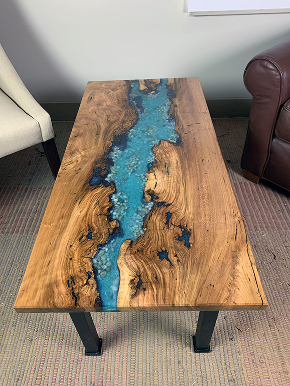 Cherry Epoxy Resin Coffee Table With Sand And Pebbles