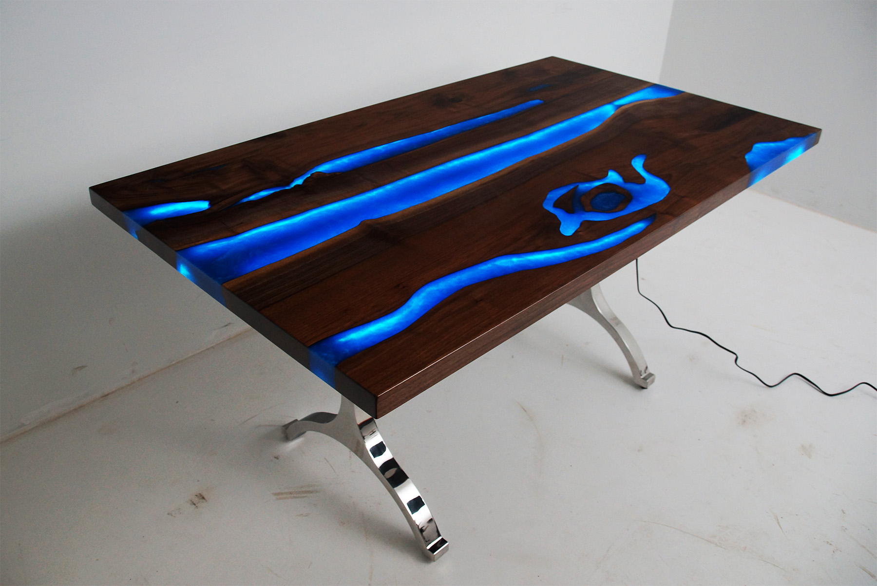 Blue River Walnut Dining Room Table With LED Lights